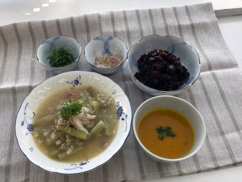 茄子と大麦のスープ、かぼちゃのスープ